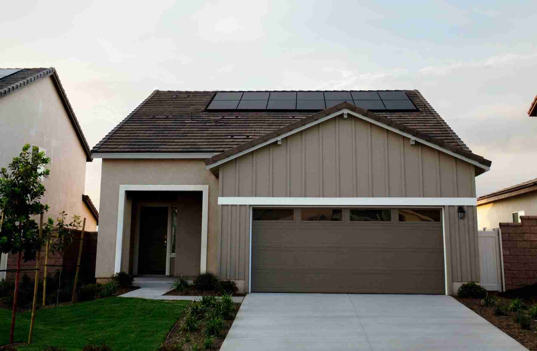 cost of solar panels on roof